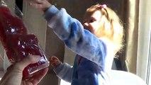 Et ours boîte de gommeux jouets déballage avec et avec lenvoi de jouets robe de Cendrillon déballer 201