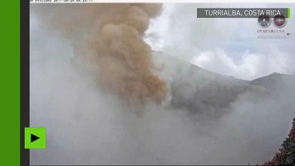 Au Costa Rica nouvelle éruption du volcan Turrialba, l'un des plus actifs du pays