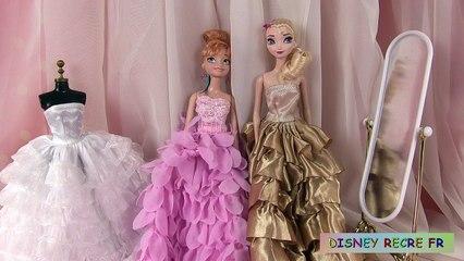 Les princesses poupée barbie avec la reine des neiges film de robes des disney
