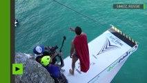 Des plongeurs sautent depuis une falaise de 27 mètres de haut en Crimée