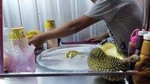 Crème aliments de la glace mangue Rouleaux rue thaïlandais Thaïlande yaourt Oreo matcha durian