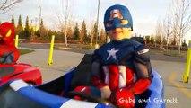 Puissance roues Courses homme araignée contre capitaine Amérique complet course