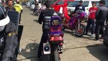 Des motards japonais font une battle avec le bruit de leur moteur