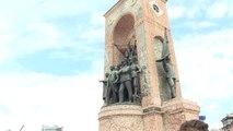 Büyük Zafer'in 95. Yıl Dönümü - Taksim'deki Cumhuriyet Anıtı'nda Tören Düzenlendi