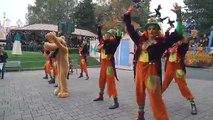 Fête mickeys halloween parade disneyland paris le halloween de mick