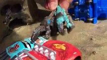 Et voiture des voitures foudre la musique Courses jouets vidéo contre anéantir 3 dinotrux Ponchy McQueen Disney