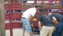 Une boule géante provoque des blessures graves à un homme qui est tombé inconscient !