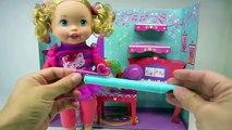 Et poupée allons petit faire faire maman la musique en jouant Instruments de musique interactifs