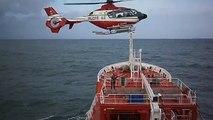 Dix acrobaties aériennes incroyable et extrême hélicoptères incroyable débarquements décollages sommet flybys
