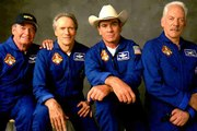 """Detrás de las cámaras: """"Space Cowboys"""" (Behind the Scenes: """"Space Cowboys"""")"""