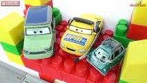 Coches relámpago carreras conjunto y coches de carreras de Cars 2 Juego de pista de carrera 2 McQueen Disney