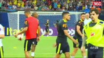 Neymar dhe G.Jesus dhurojne spektakel perpara fillimit te ndeshjes (360video)