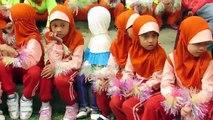 Bataille cérine danse doigt amusement amusement gymnastique enfants les enfants frais de gymnastique des doigts
