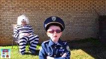 Plage gros flics pied héros enfants petit mystère parodie Trésor vidéo 4