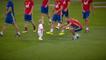 Le fils de Sergio Ramos tente d'éviter les joueurs du Barça