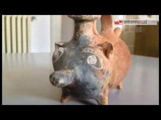 TG 12.03.15 Biberon dei Messapi....porcellino con sonagli di 2400 anni!