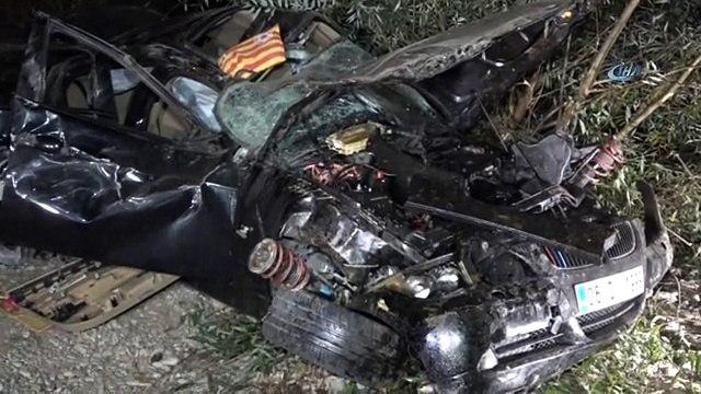 Annesinin Otomobiliyle Gezintiye Çıkan Üniversiteli Kaza Yaptı