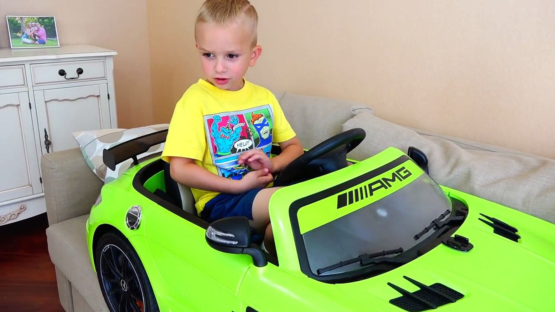Bad Baby Битва за Машинки Magic Little Driver on Power Wheels Cars / Transform Colored Cars