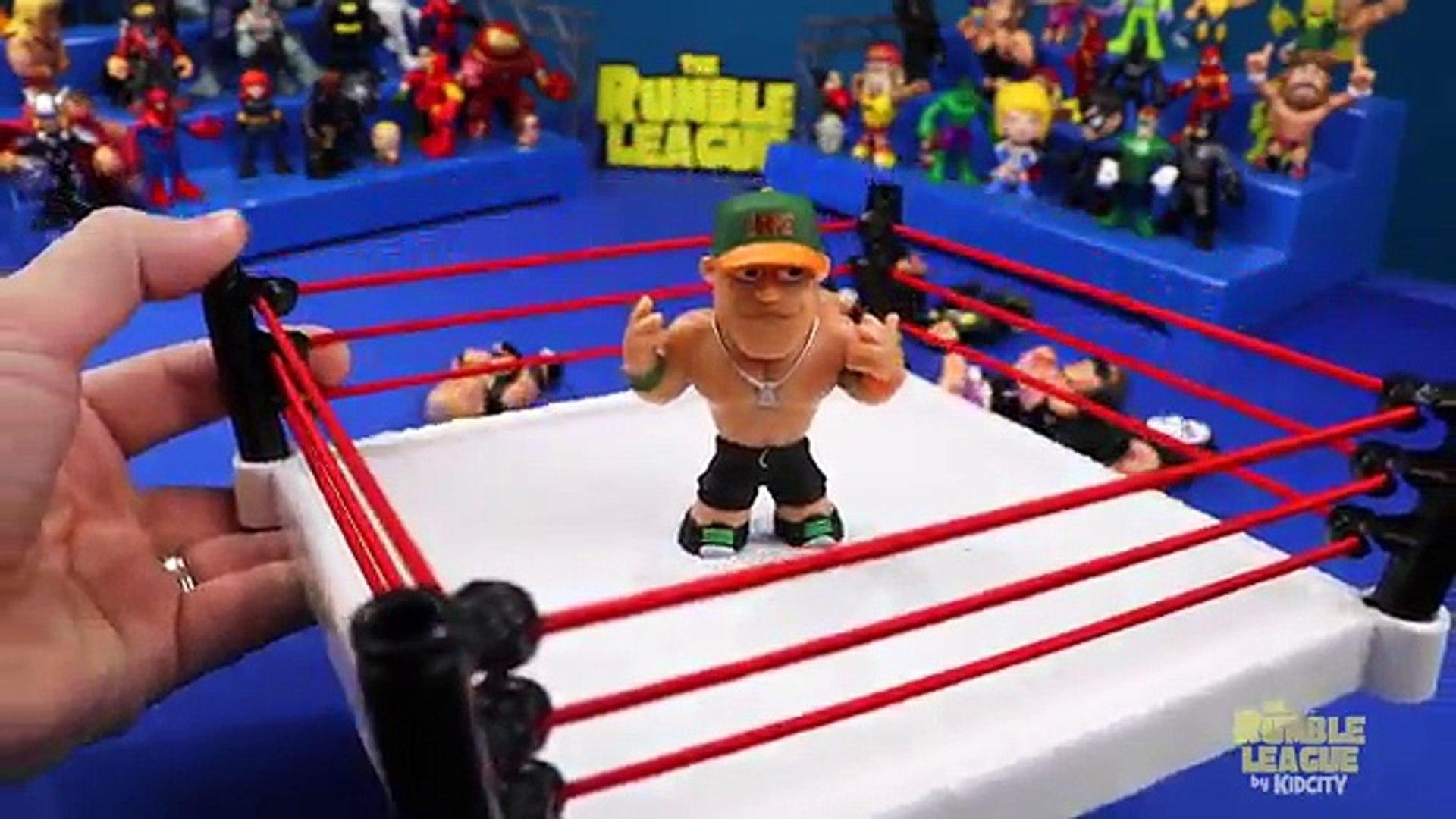 WWE TOYS Shake Rumble - WWE Modern Era vs WWE Classic Wrestlers // KidCitys RUMBLE LEAGUE