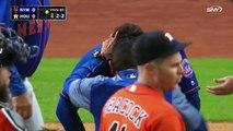 Une balle de baseball casse le nez d'un joueur