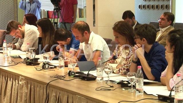 Ligjet për të drejtat e njeriut në Kosovë bien ndesh me njëra-tjetrën