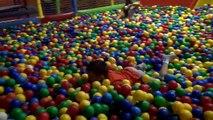 Balle fou pour amusement amusement intérieur fosse Plastique Cour de récréation Les balles de jeu pour enfants, balles