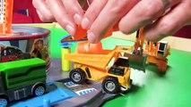 Des voitures vite rapide pour amusement amusement chaud enfants voie jouet jouets roues |