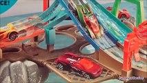 Caliente ruedas carrera reunión agua parque juego de Ruedas calientes y Informe por