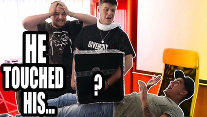 WHAT'S IN THE BOX ---PRANK---