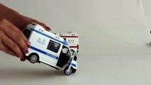 Et voiture des voitures vite rapide feu pour enfants les tout-petits jouet un camion Le véhicule dambulance de police de Lane