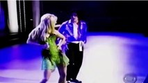 Michael Jackson et Britney Spears interprétant «The Way You Make Me Feel»