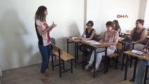 Manisa Hayatlarını Kolaylaştırmak İçin Türkçe Öğreniyorlar