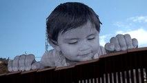 アメリカとメキシコの国境の壁近くに登場したアート作品