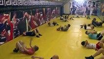Lettres mixte de motivation vidéo Pour le titre Sparing contre 2 adversaires mma ufc martial