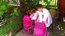 Dans le et comme sur avec garçons jouent Baby doll Born 3 plage papa maman / canal enfants grandir BME