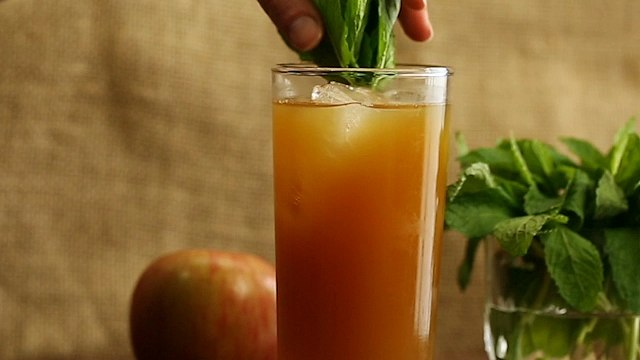 Stone Fence Cocktail Recipe - Liquor.com