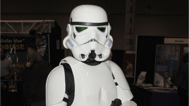 Mark Hamill Provides 'Proof' He's Tall Enough to Be A Stormtrooper