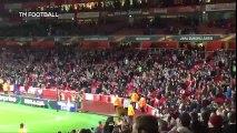L'emirates Stadium d'Arsenal mis au silence par les supporters de Cologne en Europa League
