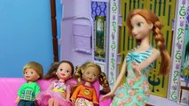 Un et un à un un à et construire fou faire poupées fièvre gelé va enfants bonhomme de neige Disney elsa anna barbie