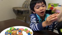 Learning ABC phonics | Fun decorating cookies with ABC using icing
