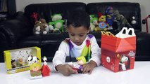 Mcdonalds Happy Meal | Snoopy and Charlie Brown Toys Review | Charlies Kids World