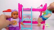 Bébé poupée couchette lit avec faire glisser Apprendre les couleurs avec Bonbons bébés en train de manger Beaucoup de Bonbons