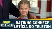 Ratinho conhece Letícia, criança símbolo do Teleton 2017