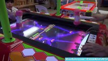 Air Hockey Game Playtime and Cool Arcade Prizes! Fun Family Playtime! AsianKids TV31