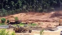 Des ouvriers bloqués par les inondations en Laos !