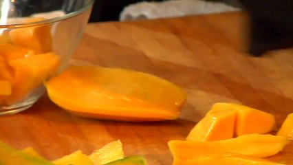 How to Make Fruit Purees - Kathy Casey's Liquid Kitchen - Small Screen