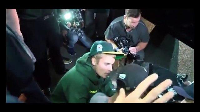 Justin Bieber lái xe tông thẳng vào phóng viên