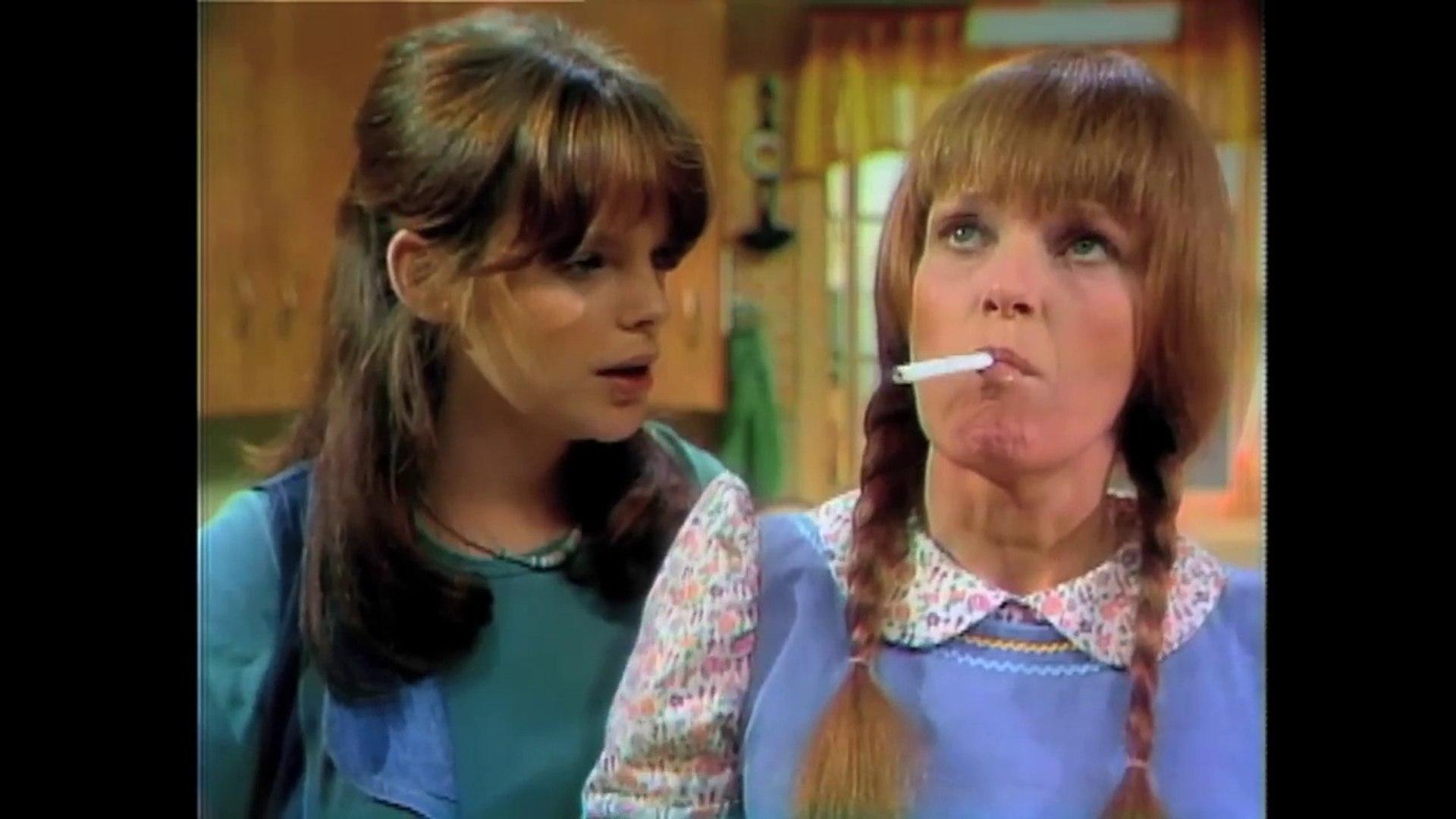 Mary Hartman, Mary Hartman (1976) - Clip: Waxy Yellow Buildup