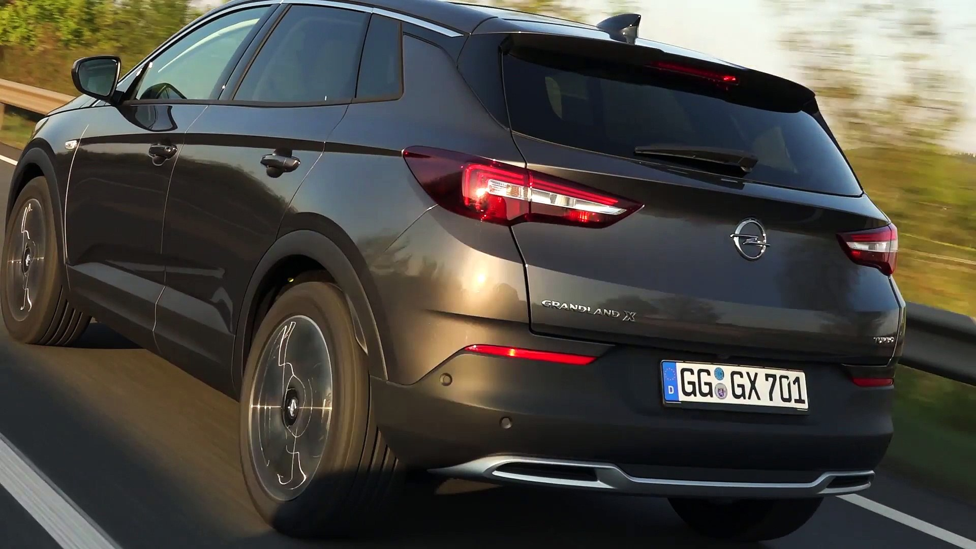 Opel Grandland X In Grey Exterior Design Video Dailymotion
