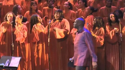 """Purple""  Donnie McClurkin - Total Praise Mass Choir (Gospel Festival de Paris)"